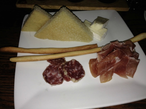 Tutto Meat Plate