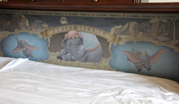 Cute The Villas at Disney us Grand Floridian Resort u Spa Pull Down Twin Size Bed with