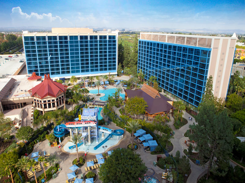 Disneyland Hotel Information And Pictures