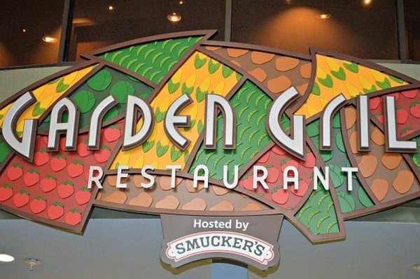 Garden Grill Character Fun (and Dinner too!)