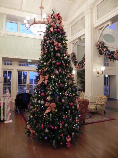 BoardWalk lobby tree