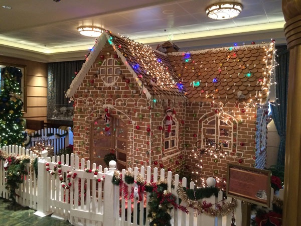 DCL Fantasy Gingerbread House