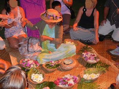 Lei making before the Starlit Hui
