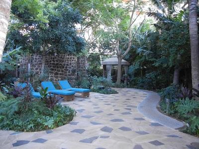Outdoor hydrotherapy garden Kula Wai