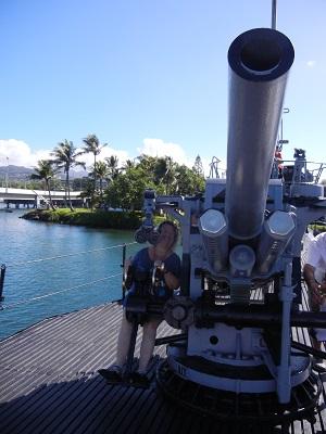 Submarine deck gun