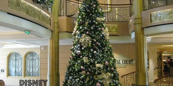 Disney Cruise Line – Festive Holiday Decor