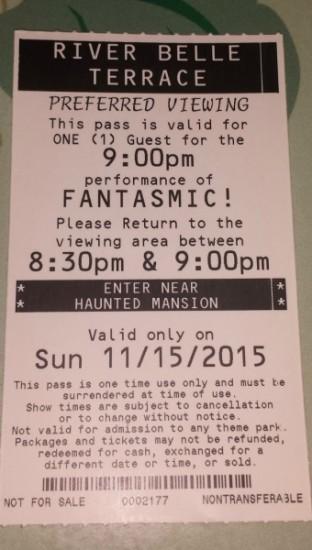Paper Fastpass ticket for Fantasmic at Disneyland Park.