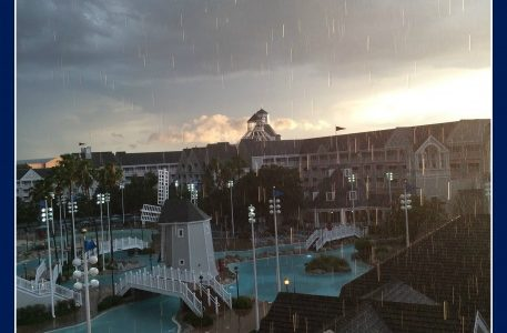 Five Practical Tips for a Rainy Day at Disney!