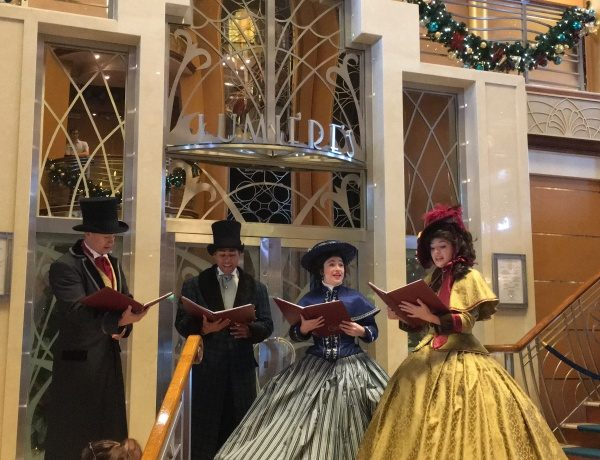 Enjoy traditional caroling in the Atrium to well-known favorite holiday songs.