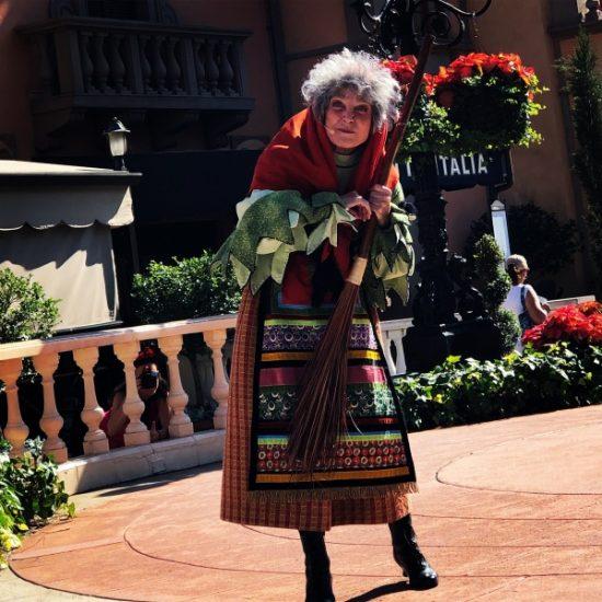 La Befana telling Christmas stories in Italy