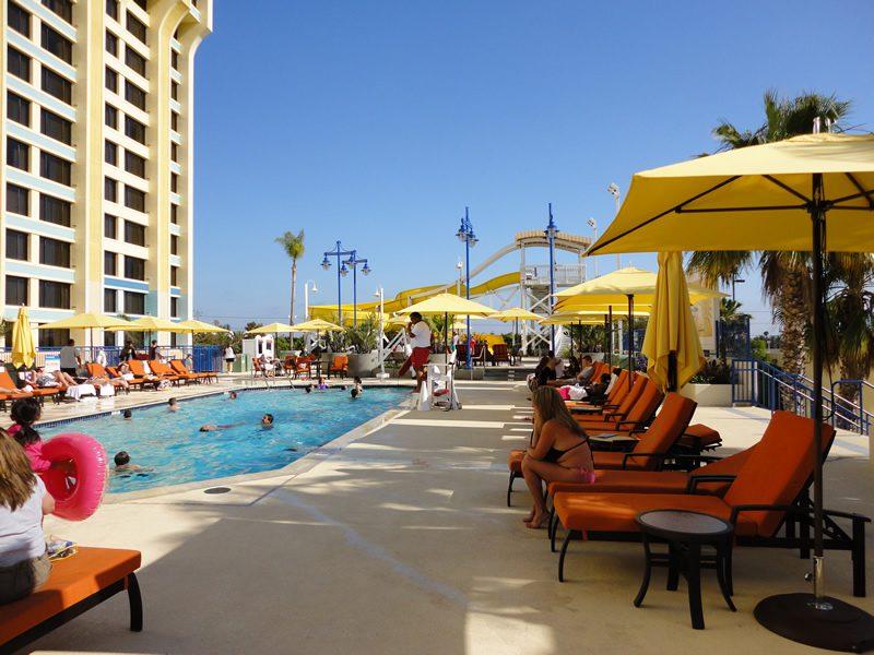 Disney S Paradise Pier Hotel At Disneyland Resort The