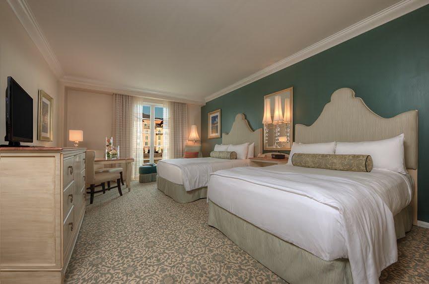 Portofino Standard Queen Room