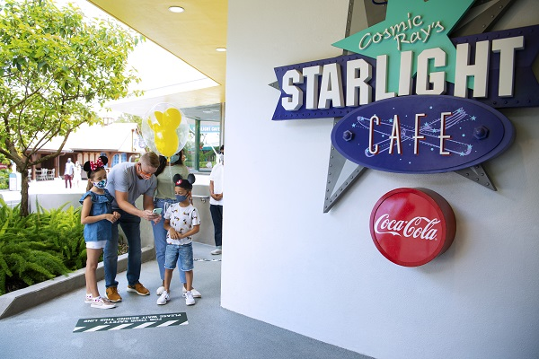 Cosmic Ray's Starlight Cafe Physical Distancing