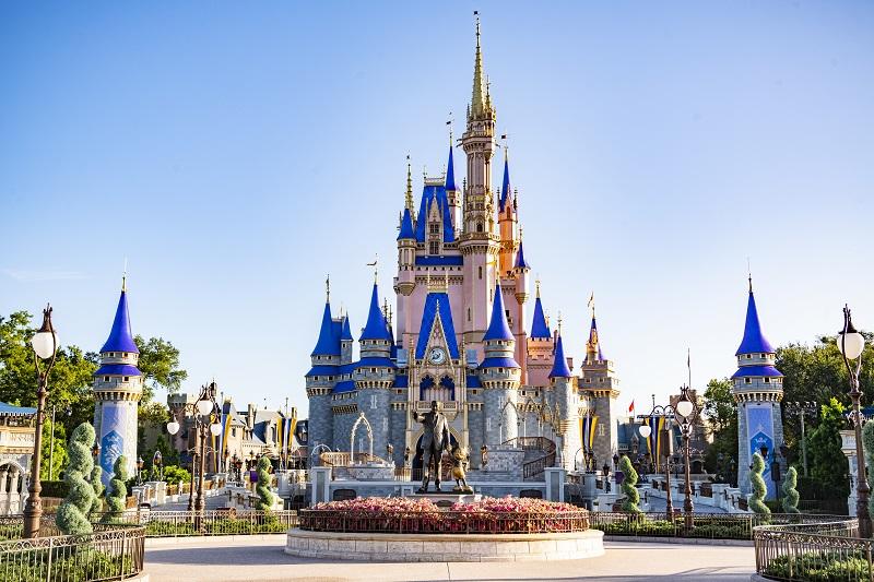 WDW - MK - Cinderella Castle